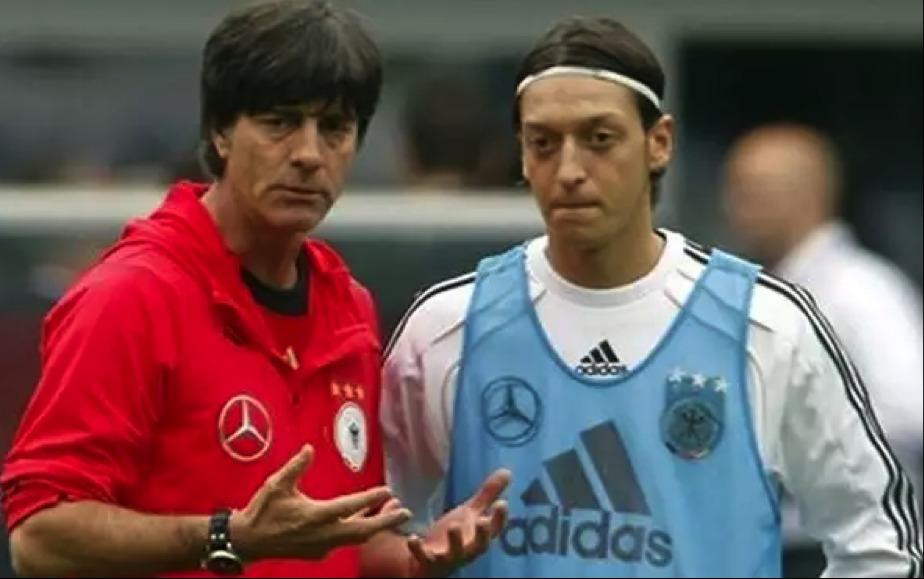 главный тренер сборной германии по футболу