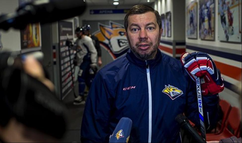 где тренер сборной россии по хоккею