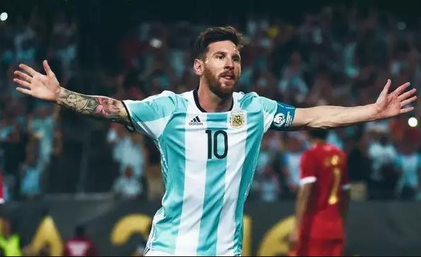 ТОП 10 лучших футболистов за всю историю футбола 3