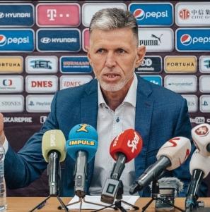 У сборной Чехии новый тренер Ярослав Шилгавы 1