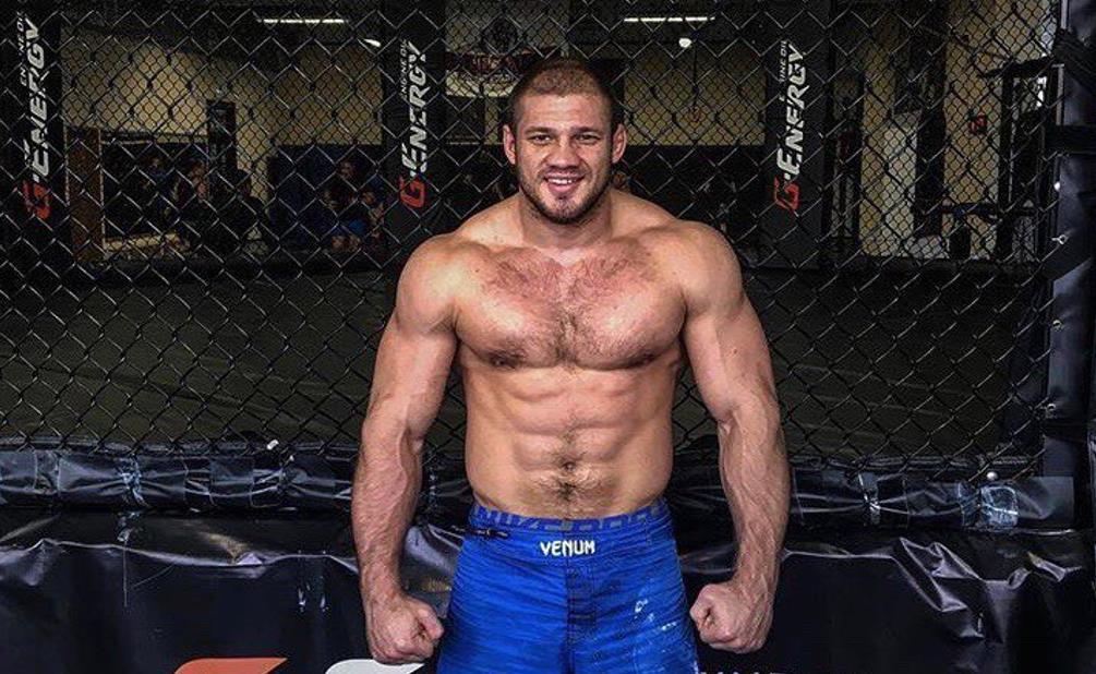 Бой Иван Штырков — Дэвин Кларк. UFC. Санкт-Петербург 1-min