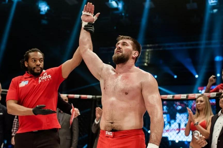 MMA. Bellator 225. Три российских бойца заявлены в главном карде американского турнира