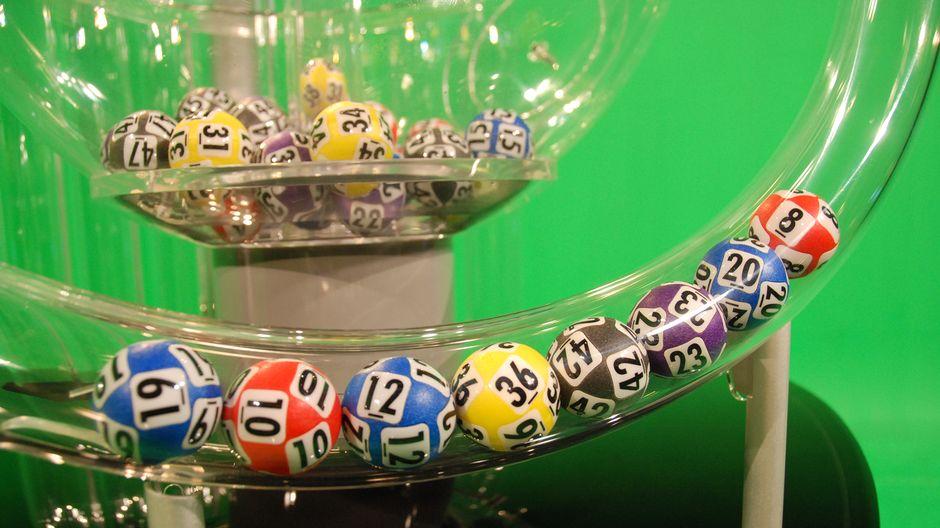 Как выиграть в лотерею в букмекерской конторе и где играть 1