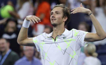 Даниил Медведев выиграл питерский турнир и остался четвёртой ракеткой мира